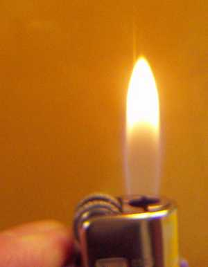 flamme jaune gaz butane